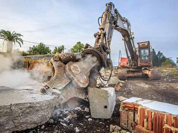 alquiler maquinaria pesada demolición