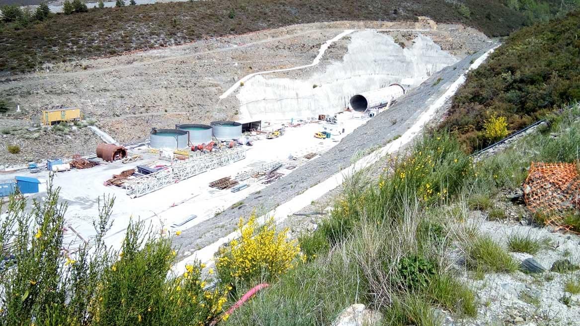 tunel-de-bolanos-ave-madrid-galicia
