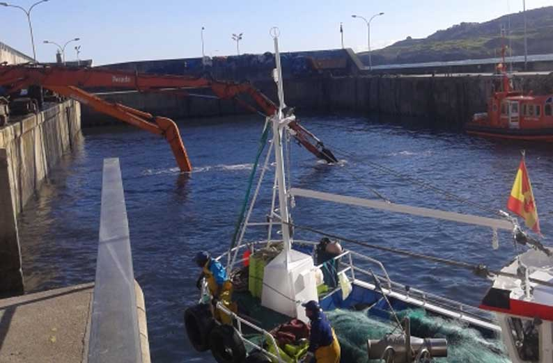 obras dragado puerto de llanes posada