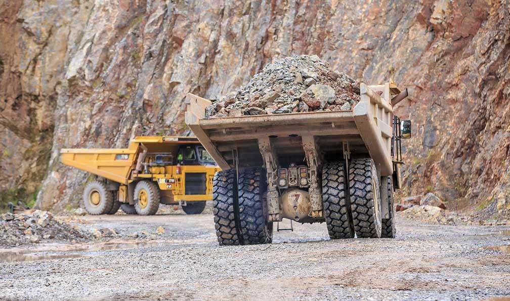 alquiler maquinaria operada mineria