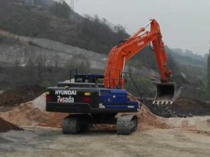 Excavadora orugas Hyunday HX 220