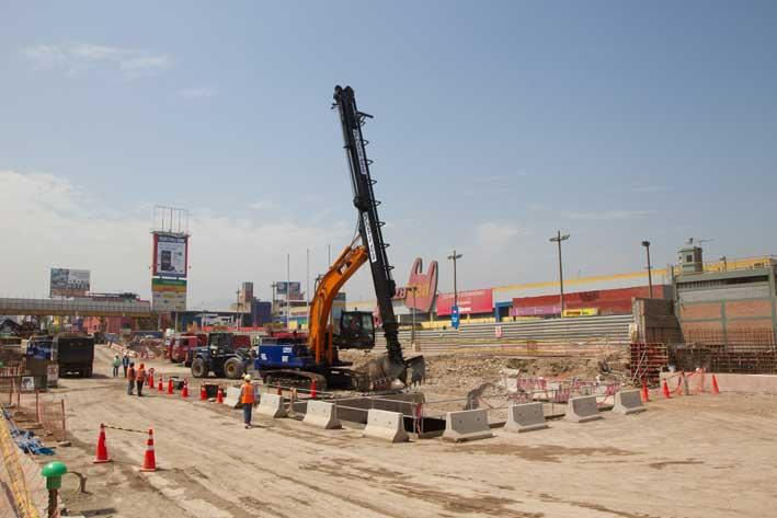 excavación línea 2 metro de Lima